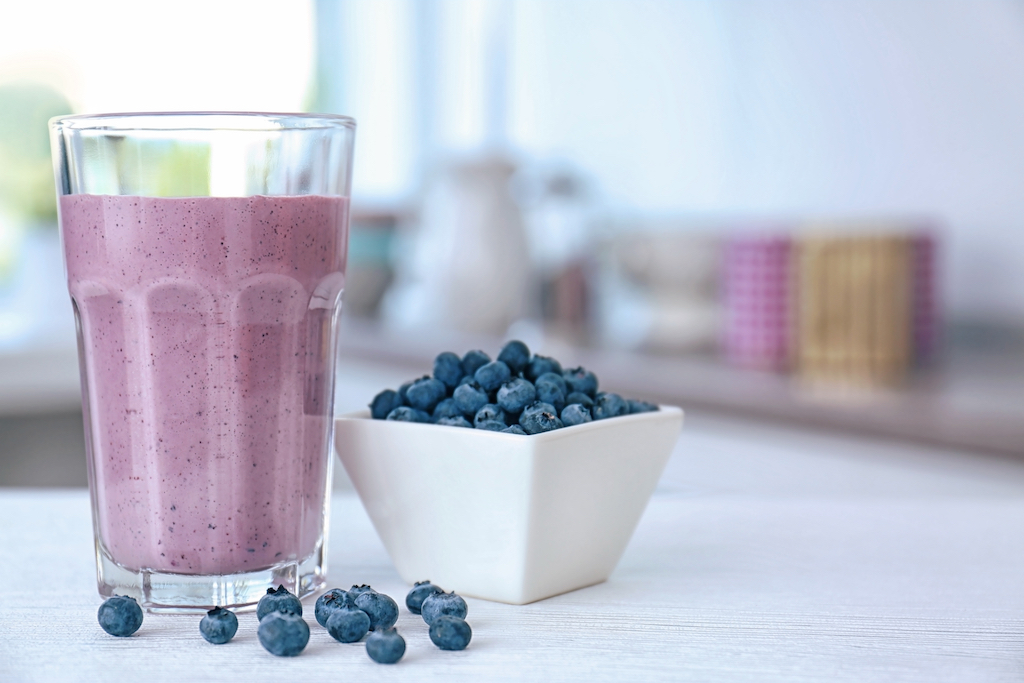 AIP Friendly Coconut Blueberry Smoothie (plus my Hashimotos update)