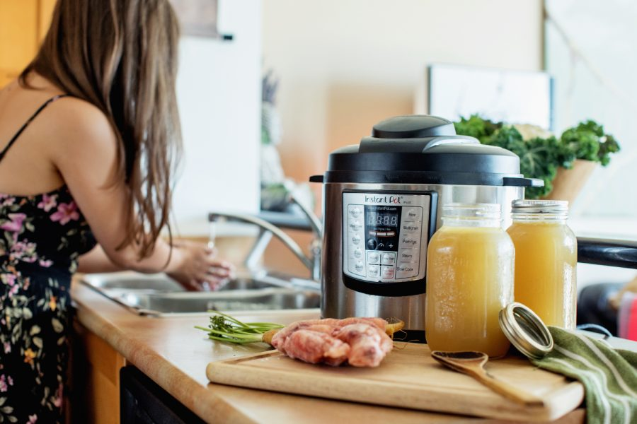 10 Steps to the Most Delicious Bone Broth (Instant Pot Recipe)