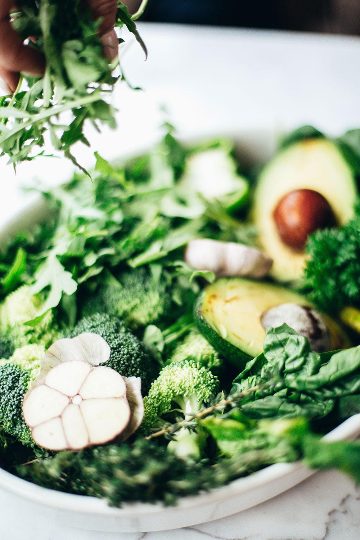 healthy-hormones-food-meal-salad
